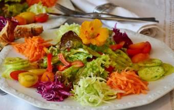 sałatka-warzywna